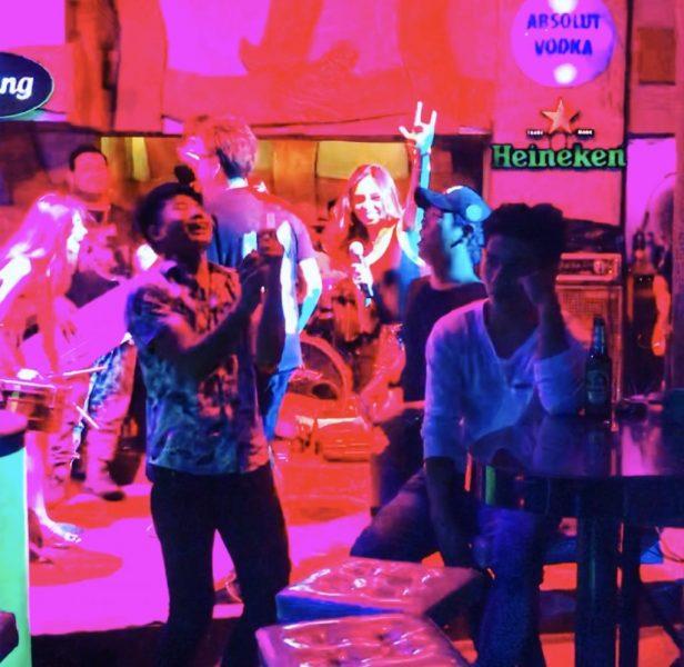 【バンコクシーロム界隈】タニヤ通りで働く女の子が大好きなディスコ
